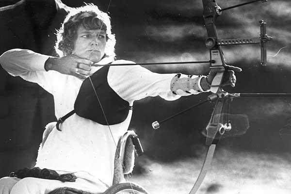 Az új-zélandi Neroli Fairhall volt az első, aki kerekesszékesként indult Olmipián