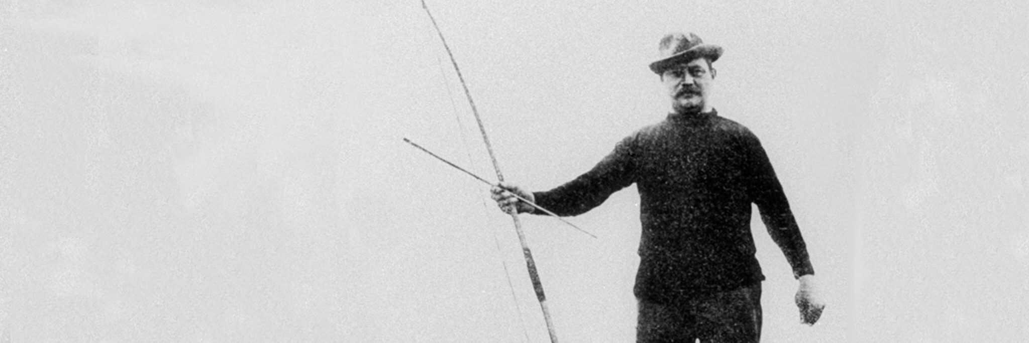A legsikeresebb olimpiai íjász a belga Hubert Van Innis volt: hat aranyérmet nyert 1900 és 1920 között